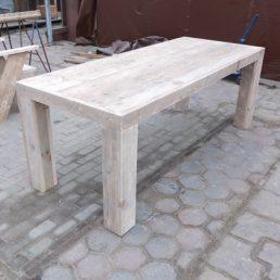 Eettafel 'Bergen' van gebruikt steigerhout