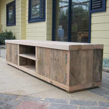 Tv meubel van steigerhout zelf maken studentenkorting for Steigerhout tv meubel maken
