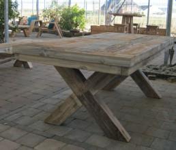 Damwandhouten tafel 'Emden'