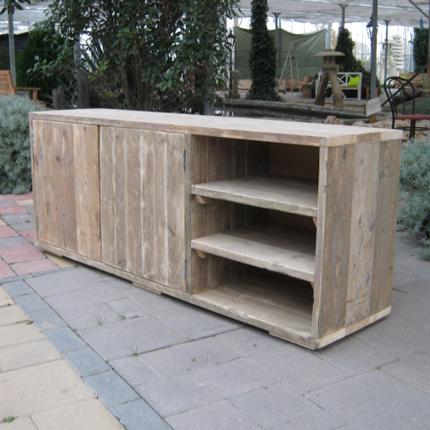 Handgemaakt meubel van steigerhout